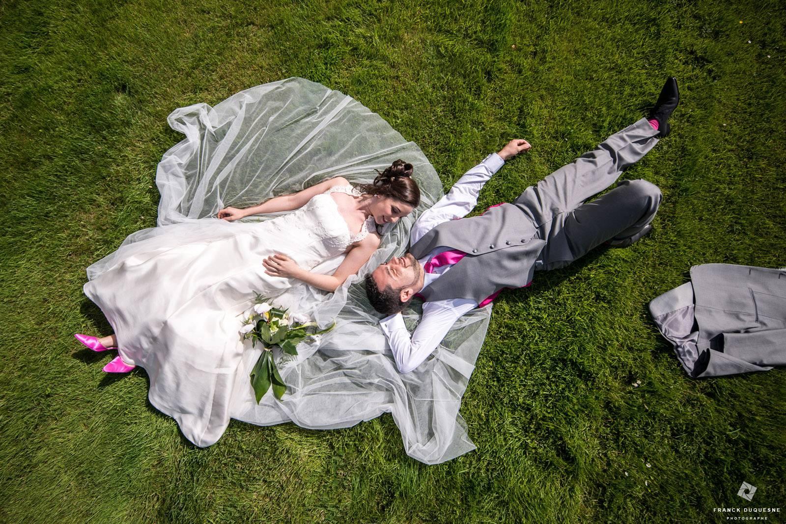 photo de mariage naturelle vue du ciel