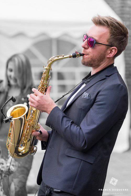 prestation saxophoniste au vin d'honneur